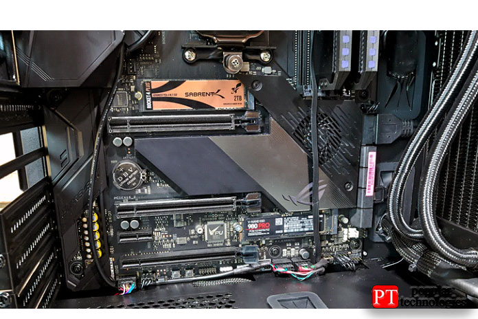 Два SSD представлены наматеринской плате Asus